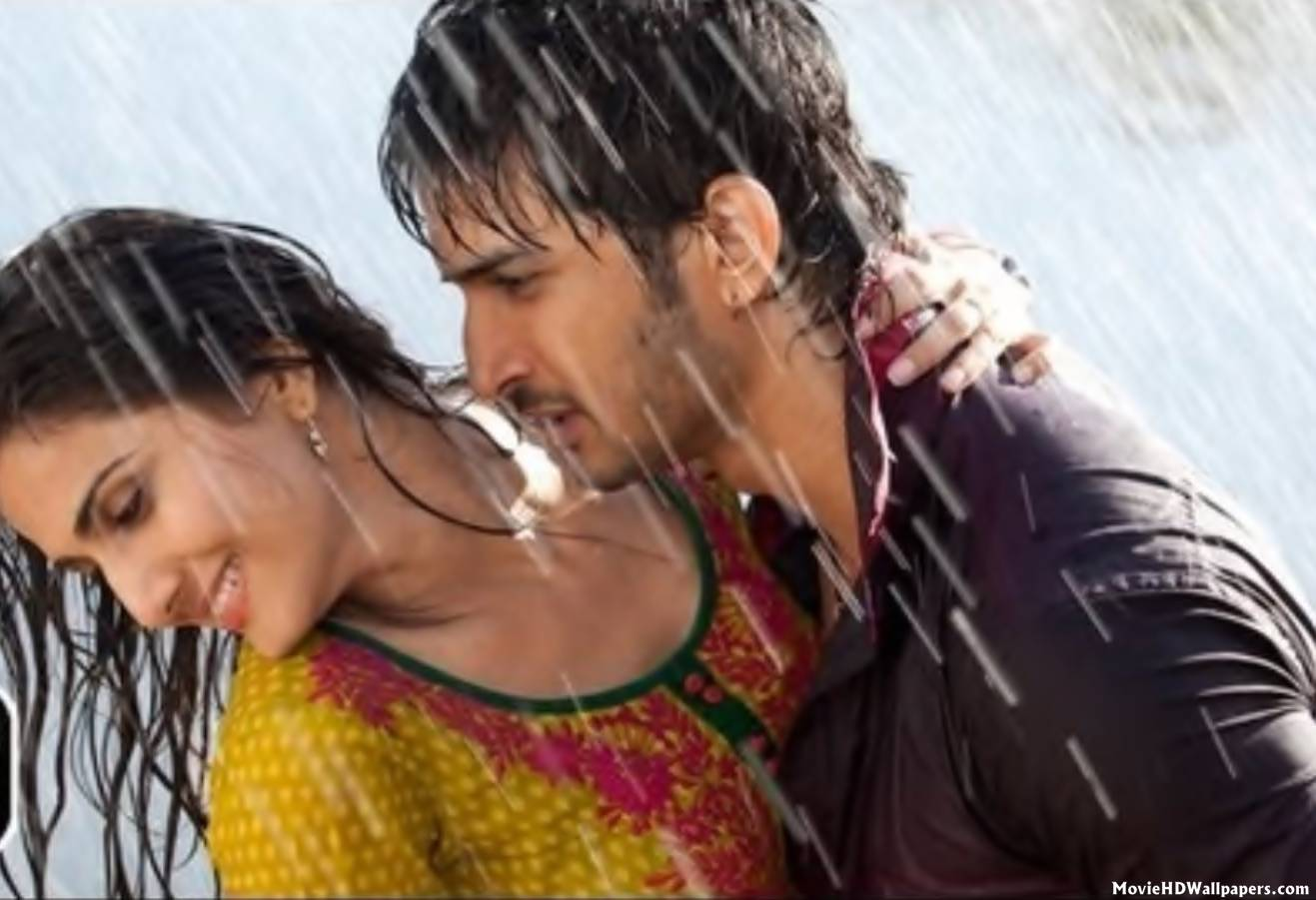 download movie trailers: shuddh desi romance movie