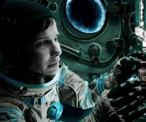 Gravity 2013 Movie Stills 300x250 Gravity (2013)