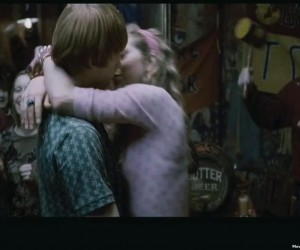 Ron and Lavender Kissing in Half Blood Prince