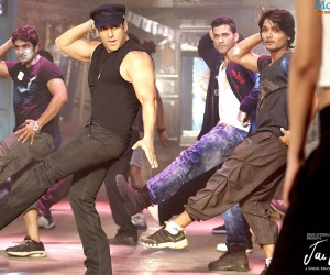 Jai Ho Salman Dance 300x250 Jai Ho 2014 Hindi Movie Wallpapers
