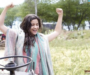 Highway Alia Bhat Smile HD Wallpapers