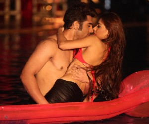 Midsummer Midnight Mumbai Hot Stills 300x250 Midsummer Midnight Mumbai