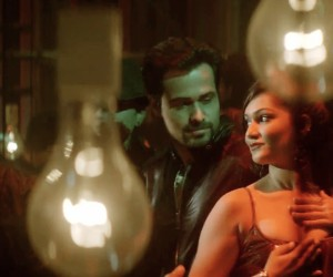 Ungli - Emraan Hashmi with Actress Bar Dancer