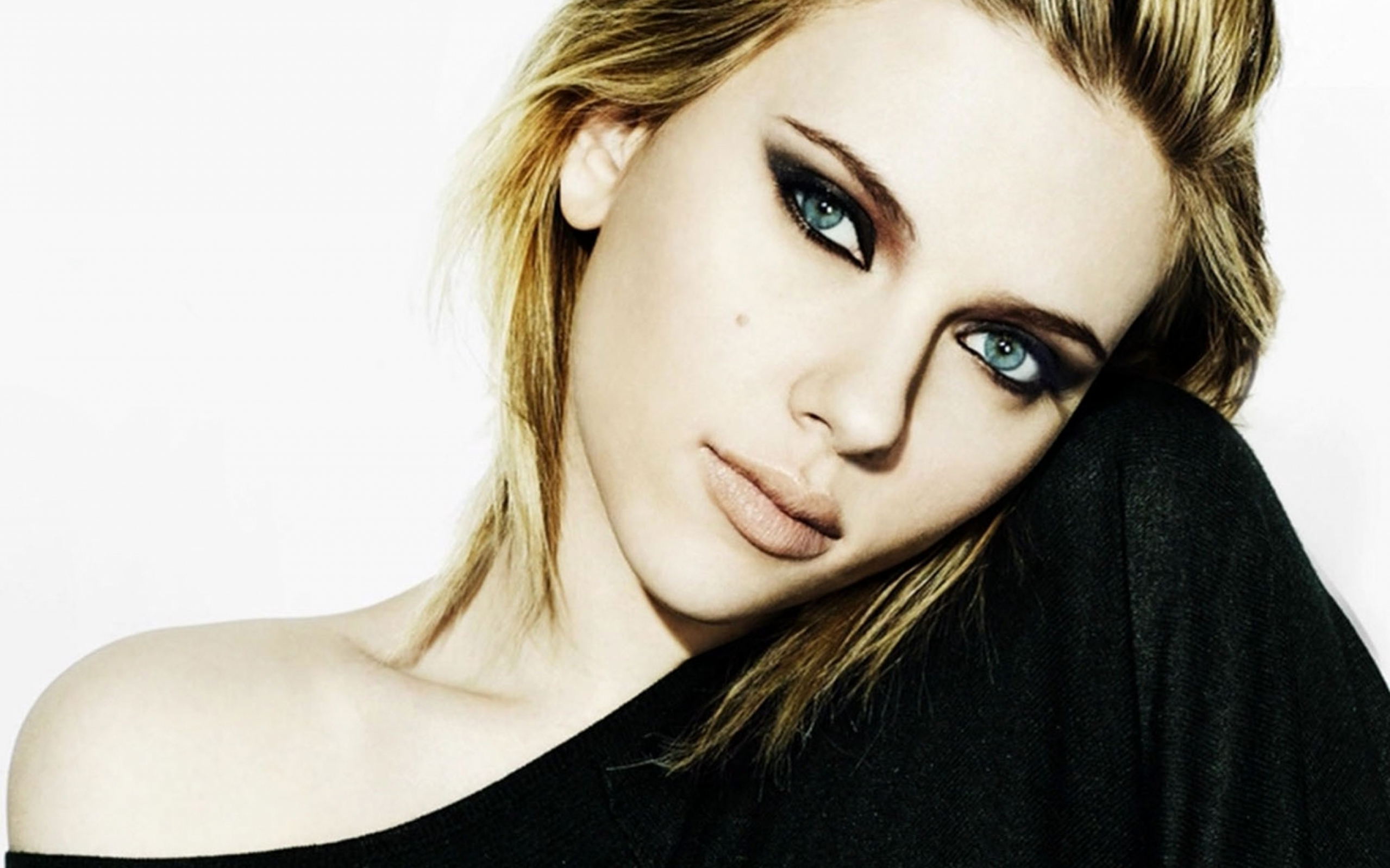 Scarlett Johansson HD Wallpapers