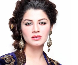 Kainaat Arora HD Wallpapers