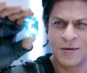 Happy New Year 2014 - Shahrukh Khan Diamond Stills