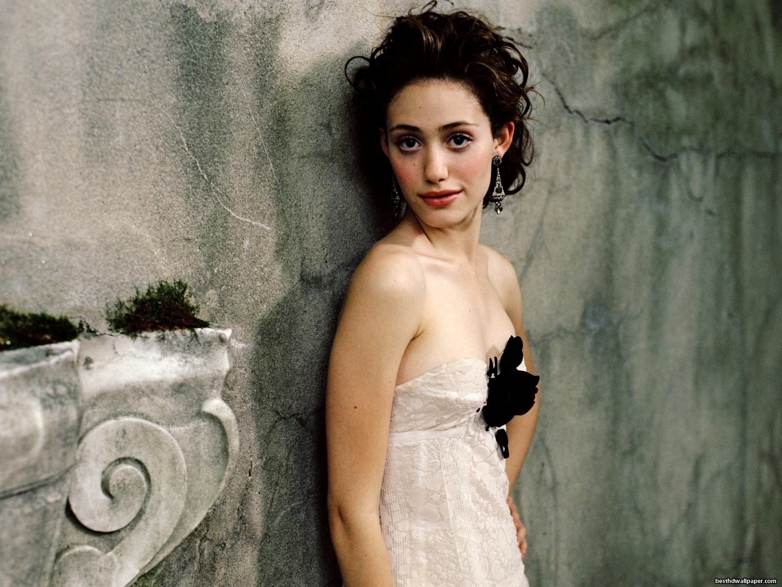 Emmy Rossum HD Wallpapers - Movie HD Wallpapers Emmy Rossum Moves